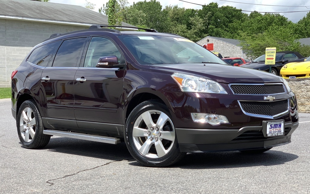 Pre-Owned 2009 Chevrolet Traverse LTZ AWD